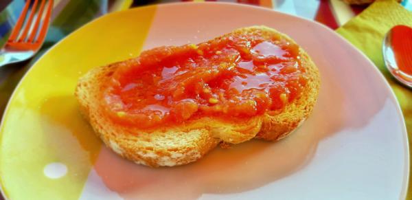 Desayunos para niños de 2 años - Tostadas con tomate y aceite