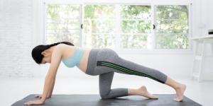 ¿Se pueden hacer abdominales durante el embarazo?