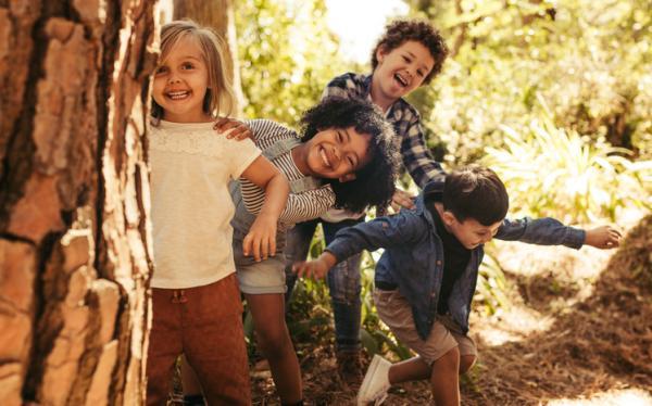 Juegos en grupo para niños de 4 a 5 años - Escondite inglés
