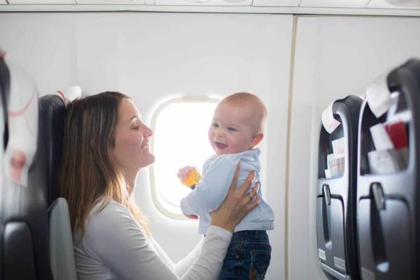 Viajar con bebés: todo lo que necesitas saber