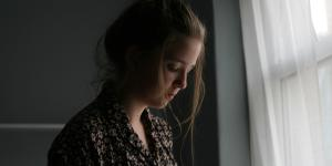 Ansiedad postparto: síntomas, duración y tratamiento
