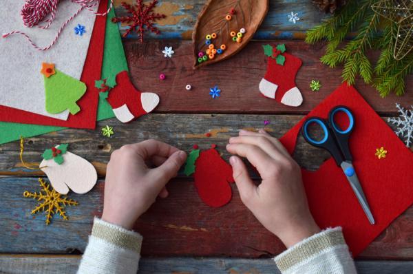 Manualidades de Navidad para niños fáciles - Adornos para el árbol de Navidad