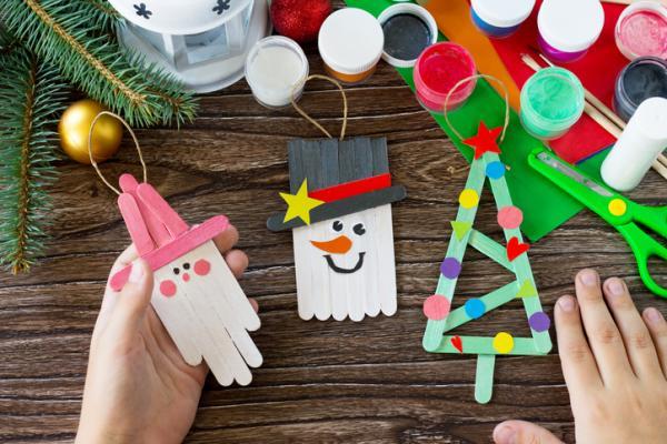 Manualidades de Navidad para niños fáciles - Muñecos de nieve con depresores