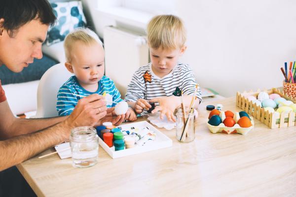 Actividades de estimulación para niños de 1 a 2 años - Actividades de estimulación de motricidad fina para niños de 1 a 2 años