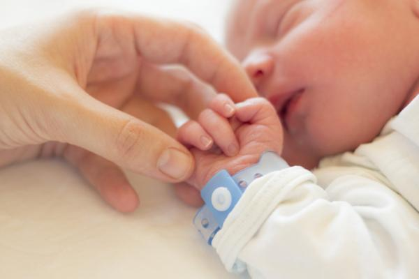 ¿Qué es necesario para cuidar a un bebé?