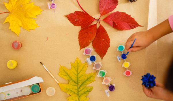 Actividades de otoño para infantil - Pintar elementos de otoño