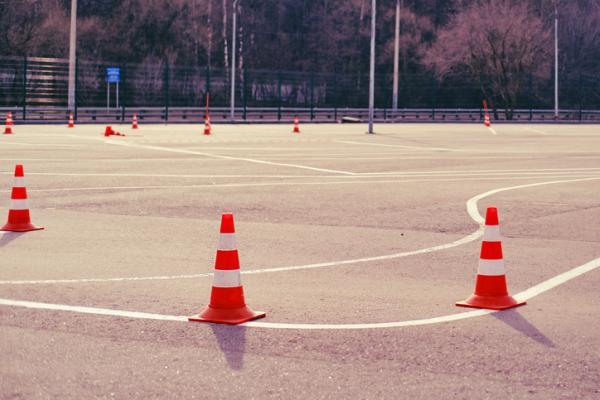 Juegos deportivos para niños - Pelota inquieta