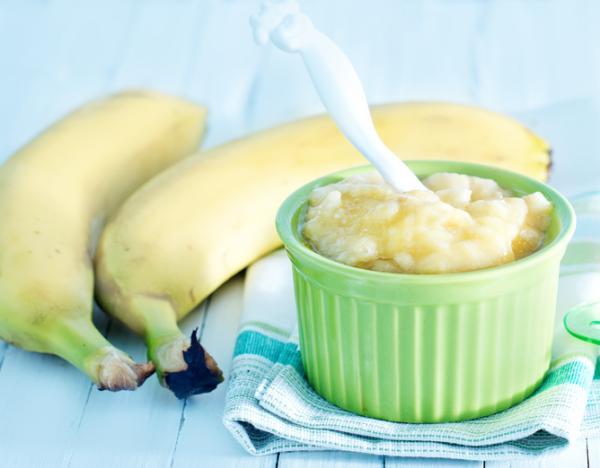 Recetas para bebés de 8 meses - Papilla de plátano, avena y cacahuete