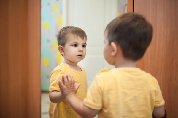 Juegos para bebés de 1 año -  Imitación