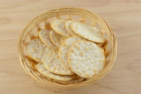 Qué tomar para el ardor de estómago en el embarazo - Galletas cream cracker