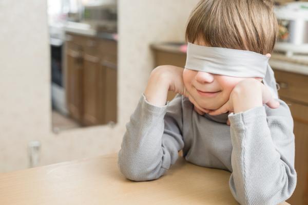 Juegos de confianza para niños de 3 a 5 años - ¿A qué huele?
