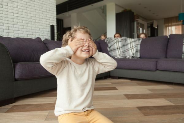 Juegos de confianza para niños de 3 a 5 años - El escondite