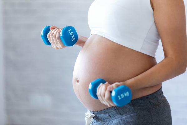 Cuidados en el segundo trimestre de embarazo: alimentación, ejercicio y consejos