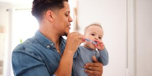 Cómo cepillar los dientes de mi bebé