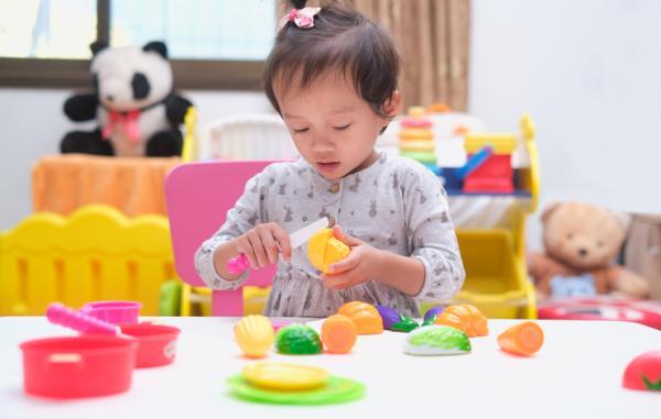 Qué enseñar a un niño de 2 años en casa - Cocina