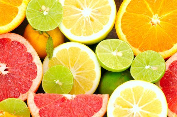 Alimentos prohibidos en la lactancia y el por qué - Cítricos