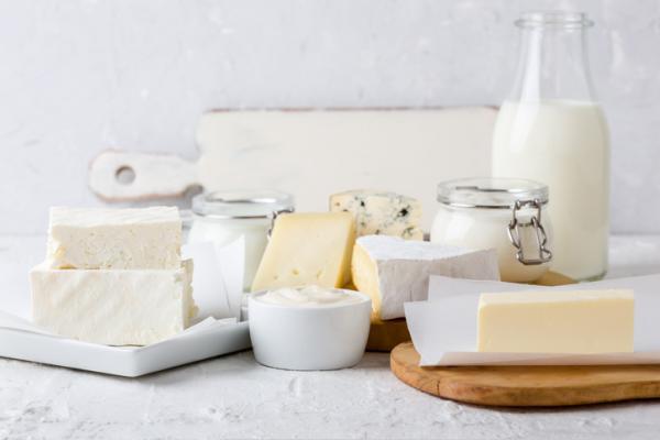 Alimentos prohibidos en la lactancia y el por qué - Lácteos y derivados