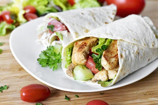 Comidas de verano para niños - Wrap de pollo y verduras