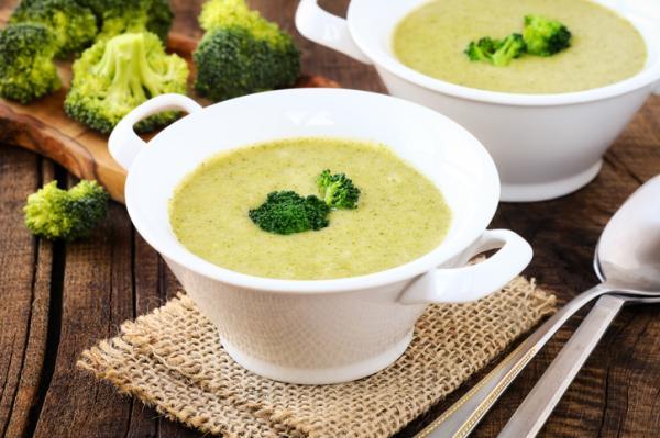 Cómo preparar brócoli para bebés - Crema de brócoli