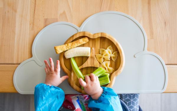 La alimentación en bebés de 10 meses: horarios, cantidades y recetas - ¿Qué cantidad tiene que comer un bebé de 10 meses?