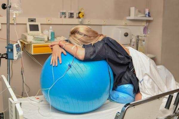 Las 3 fases del parto: características y posibles complicaciones