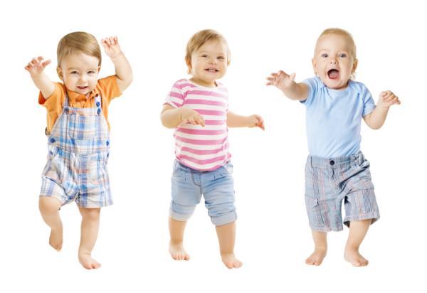 a que edad pueden empezar a caminar los bebes