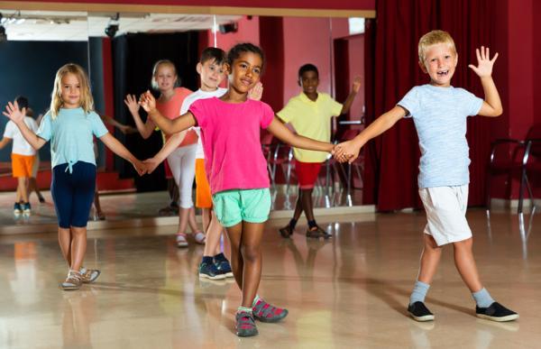 Actividades de espiritualidad para niños/as - Bailar y cantar canciones