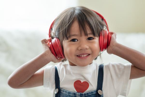 Actividades de espiritualidad para niños/as - Escuchar música