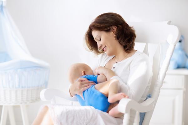 Posiciones para amamantar después de una cesárea