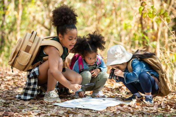 Juegos en la naturaleza para niños - Carrera de orientación