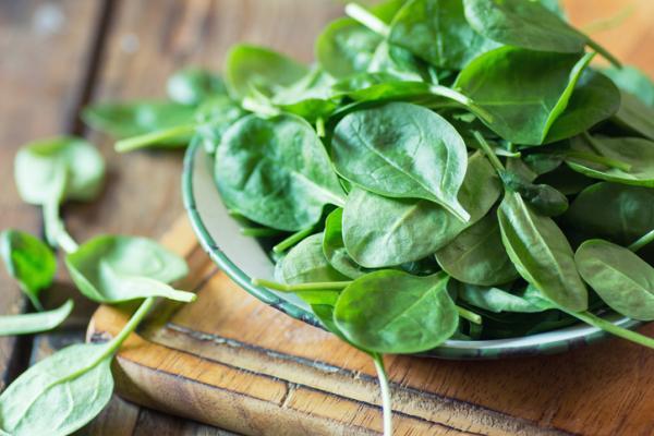 Alimentos con hierro para el embarazo - Espinacas