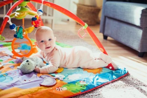 Tipos de juguetes recomendados para bebés de 0 a 24 meses