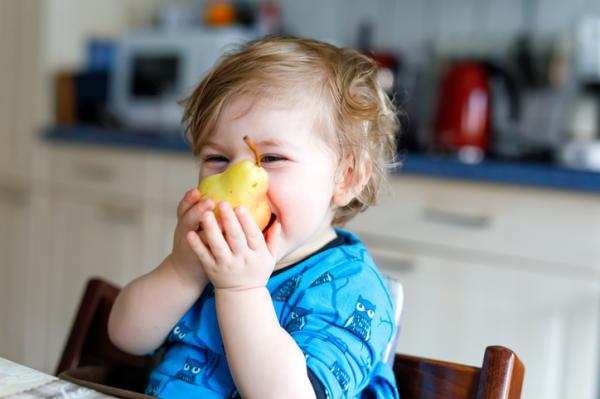 Meriendas saludables para niños - Fruta entera