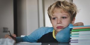 Baja autoestima en niños: causas, síntomas y cómo tratarla