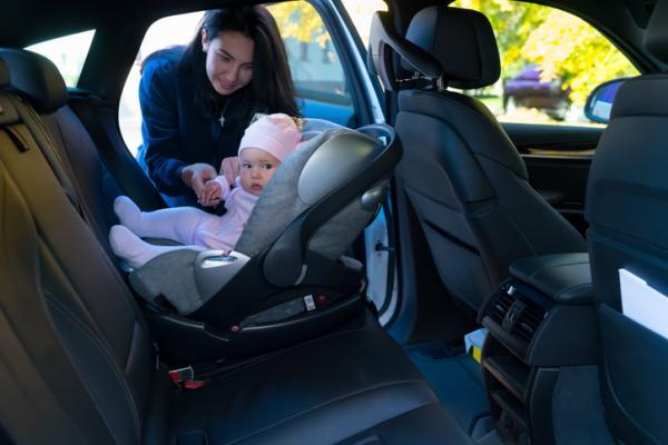 Lista regalos para un baby shower - Espejo para el coche