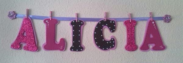 Lista regalos para un baby shower - Nombre para la puerta de su habitación