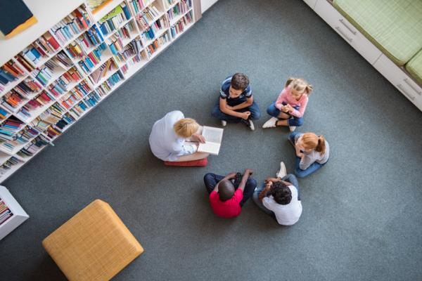 Ejemplos de actividades extraescolares para niños - Cuentacuentos