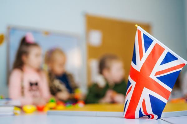 Ejemplos de actividades extraescolares para niños - Idiomas