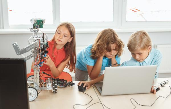 Ejemplos de actividades extraescolares para niños - Robótica