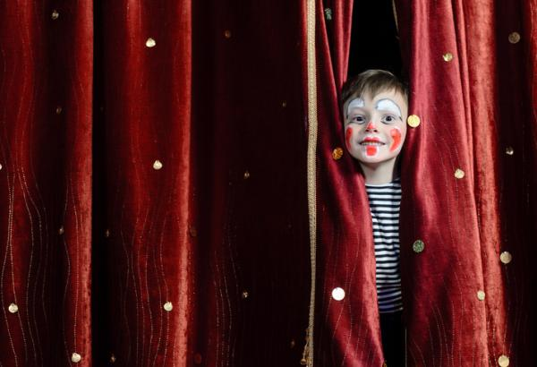 Ejemplos de actividades extraescolares para niños - Teatro
