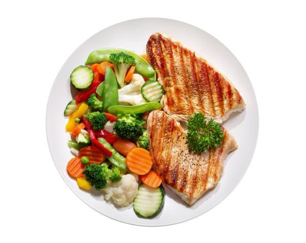Recetas para niños de 2 años - Pechugas de pollo con guarnición de verduras